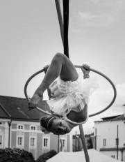 aerial_hoop_schwarz_weiss_1.jpg